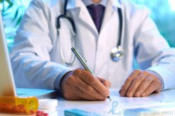 lekarz, specjalista od chorób u dzieci