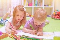 rysujące dzieci